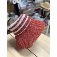 Шляпа вязаная из рафии красная в полоску